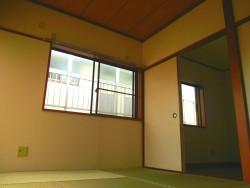 リッツコート2号室和室&出窓
