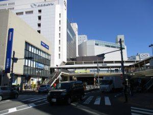 小田急駅前